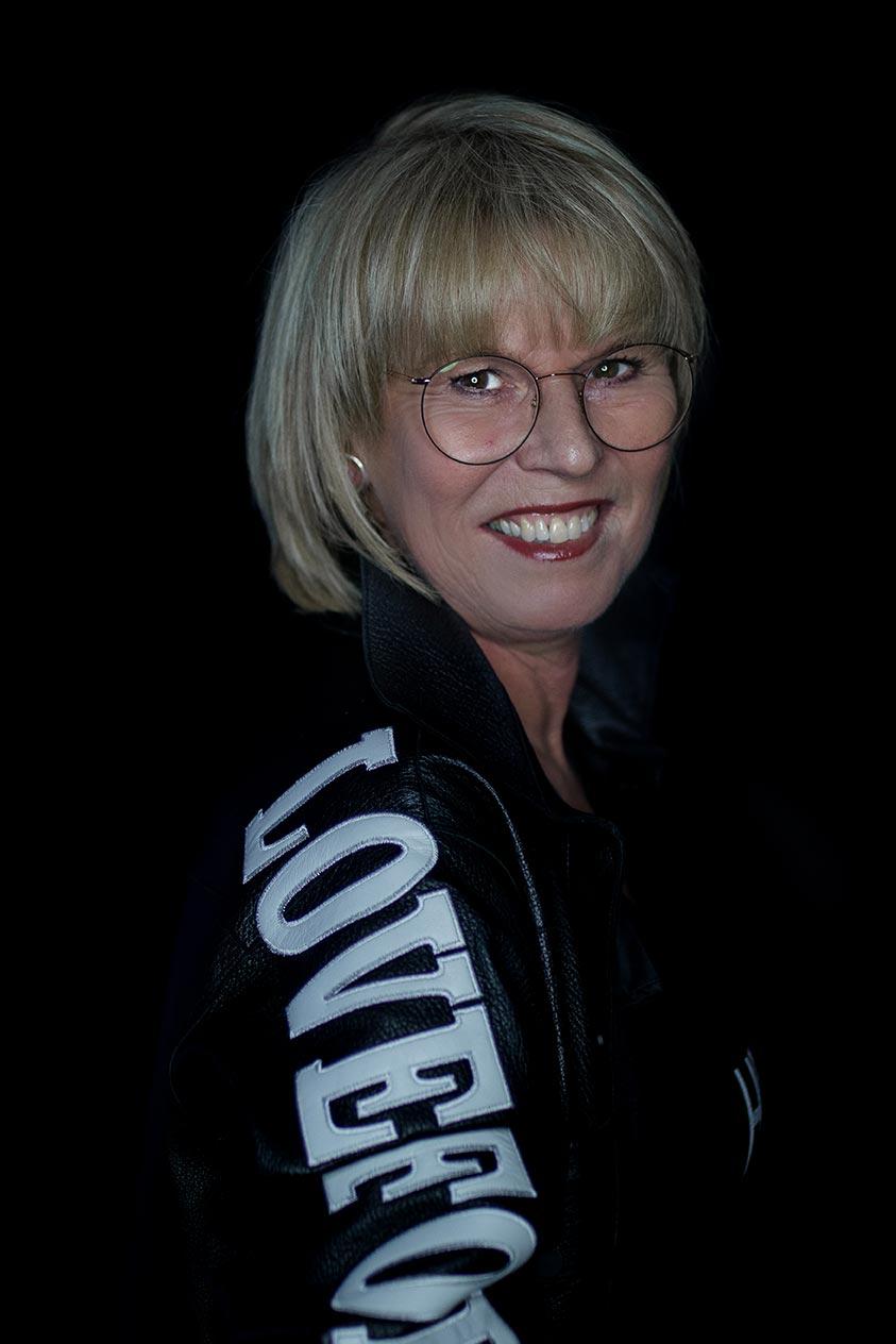 Friseurmeisterin Claudia Böke